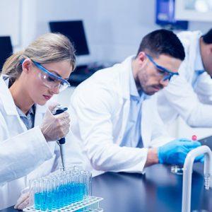 La chimie au laboratoire : notions utiles et nécessaires